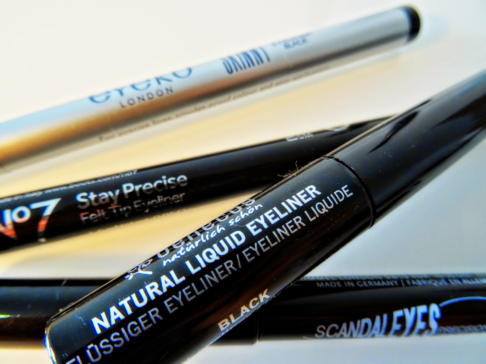 what's the best liquid eyeliner? review and suggestions