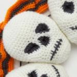 http://www.redheart.com/files/patterns/pdf/LW5784-Circle-of-Skulls-Wreath-Free-Crochet-Pattern.pdf