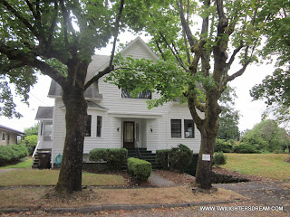 to Bella and Charlie\u0027s house in Twilight. Kitchen Bella\u0027s Bedroom Dining Room Driveway etc.\