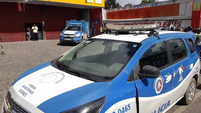 Estagiário de supermercado é morto a tiros quando chegava no trabalho, em Alagoinhas