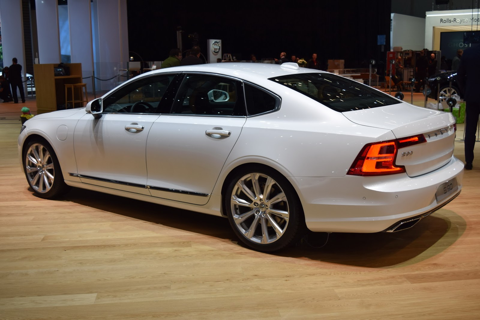New Volvo S90 Sedan Looking Sharp On Geneva Show Floors