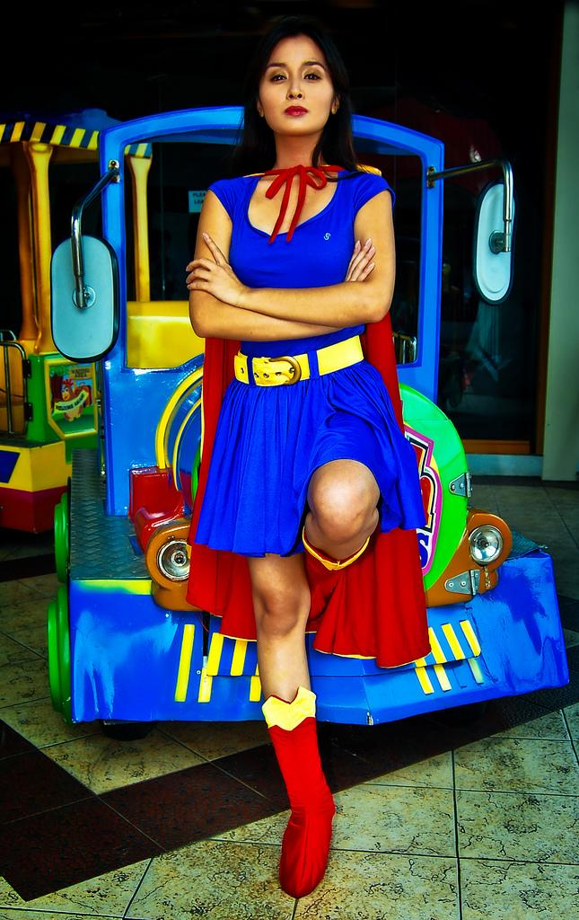 kris bernal supergirl cosplay 03