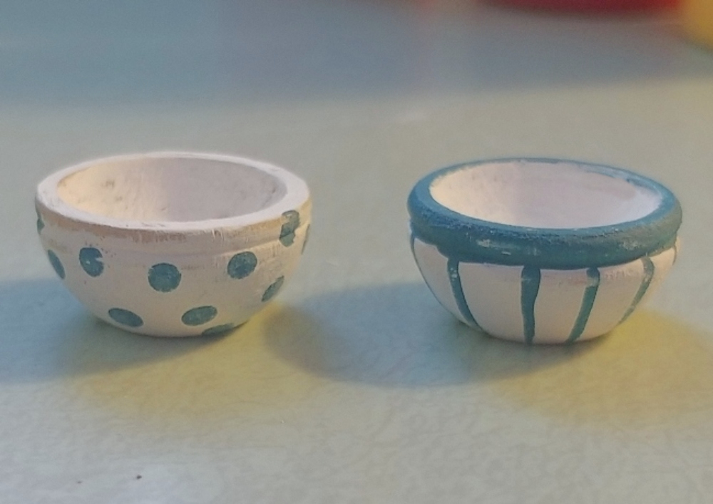 dollhouse kitchen bowls