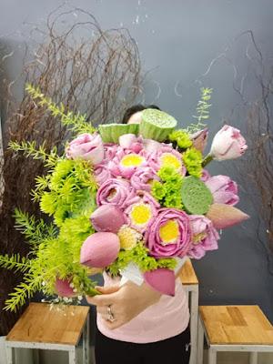 mau hoa co dau hoa sen