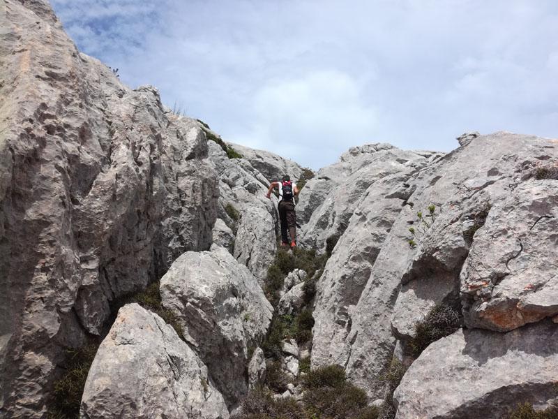 Salita tra le rocce