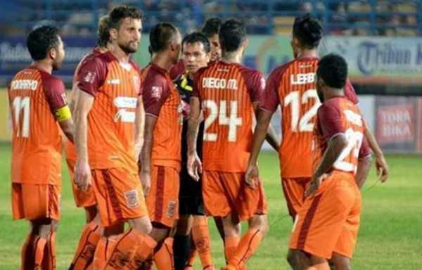 PSPS Riau vs Borneo FC