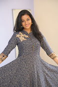 gayathri latest sizzling pics-thumbnail-4