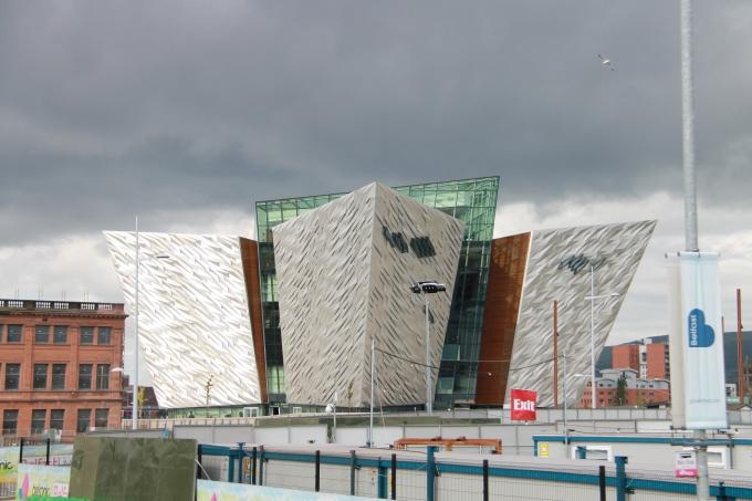 Belfastin nähtävyydet turistibussista ja Belfast lasten kanssa / Titanic