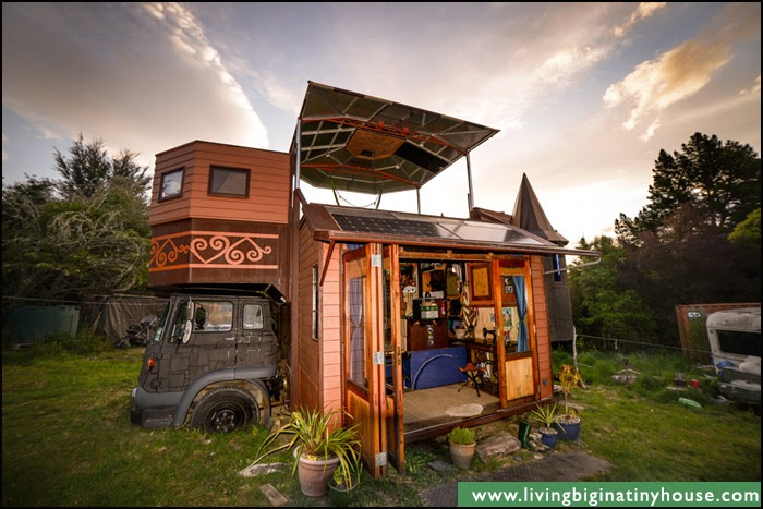 Home-Made Eco-Friendly Truck, Unfolds Into a Castle