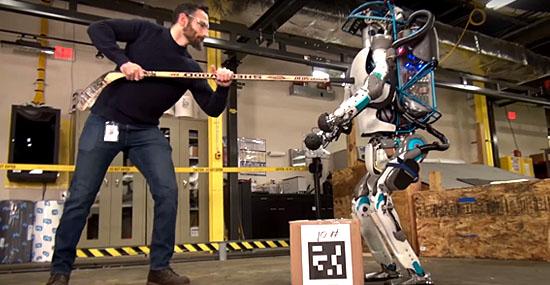 Robô que anda e corre como gente é criado pela Boston Dynamics
