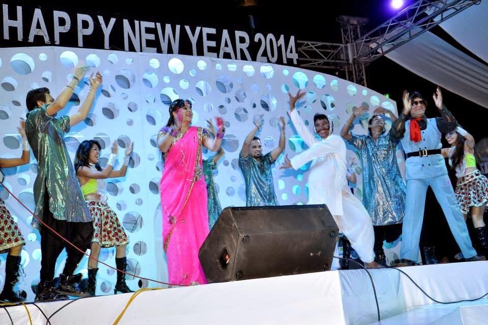 Harvinder Mankkar Jalwa 2014 New Year Show At Casino