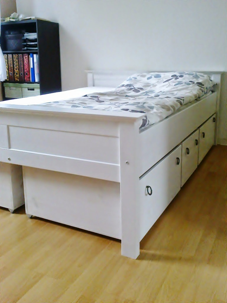 podestbett bauen ideen bilder. Black Bedroom Furniture Sets. Home Design Ideas