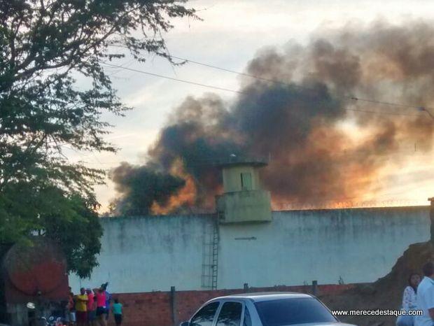Rebelião deixa feridos no presídio Juiz Plácido de Souza em Caruaru