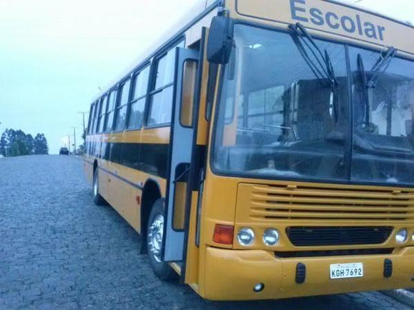 Ónibus escolar reformado pela Secretaria de Educação de Major Vieira