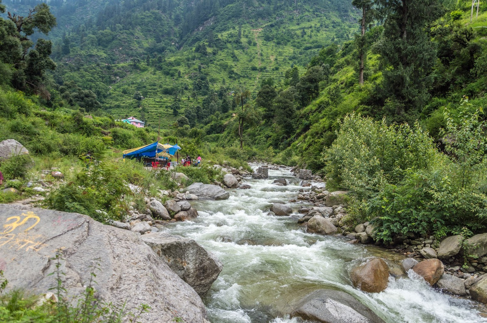 Nature at its vest during Srikhand Mahadev Yatra. A makeshift cafe on the banks of river.