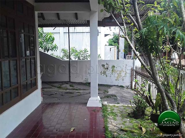 Rumah di Lempongsari dekat Al Azhar