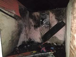 Comunitarios en Punta Caña apagan incendio a cubetazos de aguas (Ver Fotos)