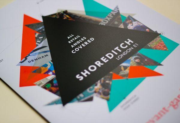 Desain brosur berbentuk segitiga agar tampil beda, unik dan juga kreatif