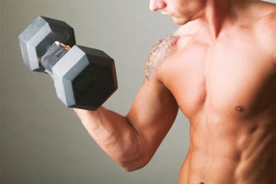 Hacer pesas es un ejemplo de ejercicios anaeróbicos