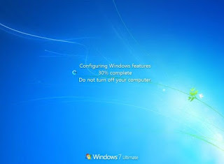 Configuring Windows Features, Do Not Turn Off Your Computer windows 7