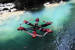 Body rafting di green canyon Pangandaran
