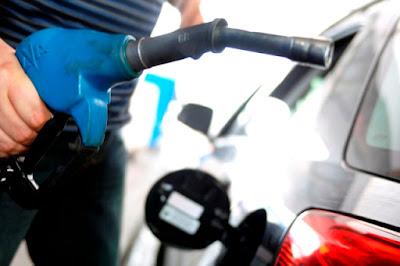 https://4.bp.blogspot.com/-QP7W9S28jm4/WEu600VM8dI/AAAAAAAAJdA/t4eWjoWatIkIRBqI9FXOD0TPyE06MctxwCLcB/s400/bomba-de-gasolina.jpg