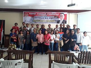 Steva Gelar RDP Bersama Ratusan Wartawan