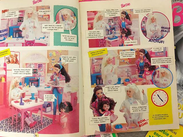 Foto das historinhas em quadrinhos, fotografadas com bonecas de verdade