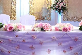 פרחים לשולחנות לחתונה