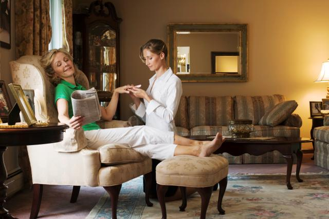 Take the Advantage of the In House Beauty Services