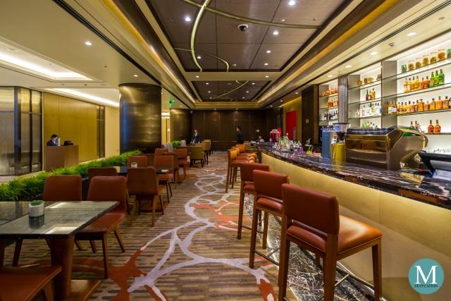 The Lounge and bar at Sheraton Manila Hotel