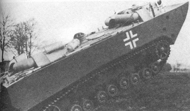 Panzerfähre - прототип бронированного парома на ходовых испытаниях, 1942 год