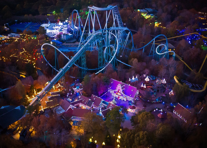Pennsylvania beyond travel blog the sights and sounds of the holiday season in williamsburg for Christmas town busch gardens williamsburg 2017