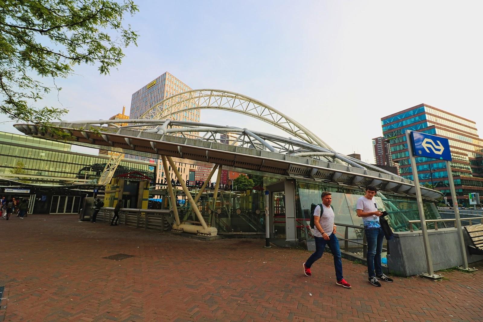 Holandia, stacja metra,