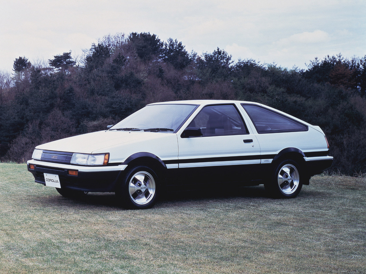 [Image: Toyota%2BCorolla%2BLevin%2BGT-Apex%2B83%...p%2529.jpg]