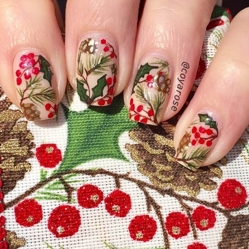 03-Wrapping-up-Christmas-designs-Nicoya-Grobman-Free-Hand-Nail-Art-Designs-www-designstack-co
