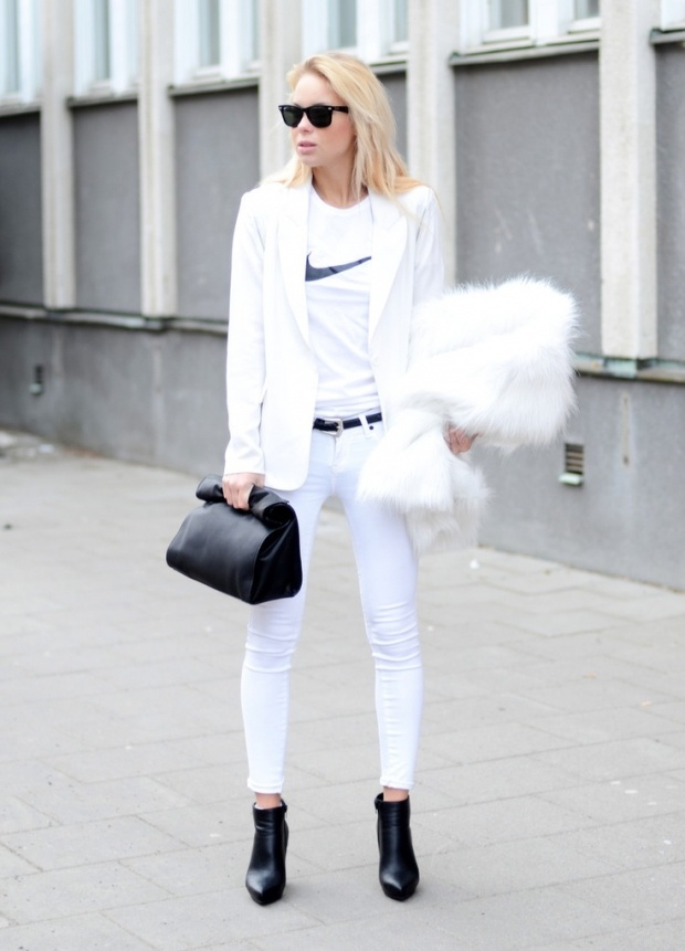 Sport Chic Front Row