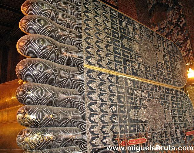 Buda-Reclinado-Wat-Pho-Bangkok