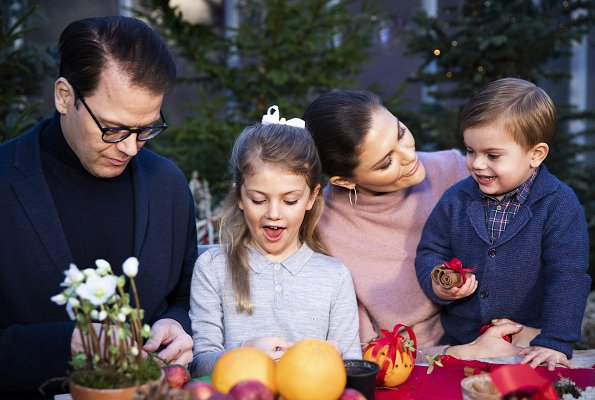 Crown Princess Victoria, Prince Daniel and their children Princess Estelle and Prince Oscar Merry Christmas