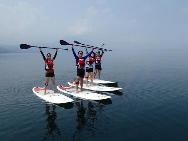 standup paddbleboarding