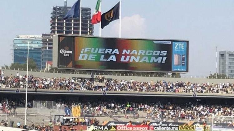 '¡Fuera narcos de la UNAM!', claman en Estadio Universitario