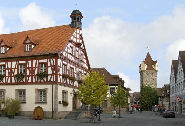 199bbad61 A pequena e impronunciável cidade alemã de Herzogenaurach, com pouco mais  de 23.000 habitantes, parece ser apenas mais um vilarejo da Bavária, ...