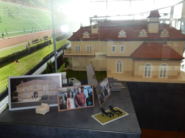 Downsizing movie model exhibit