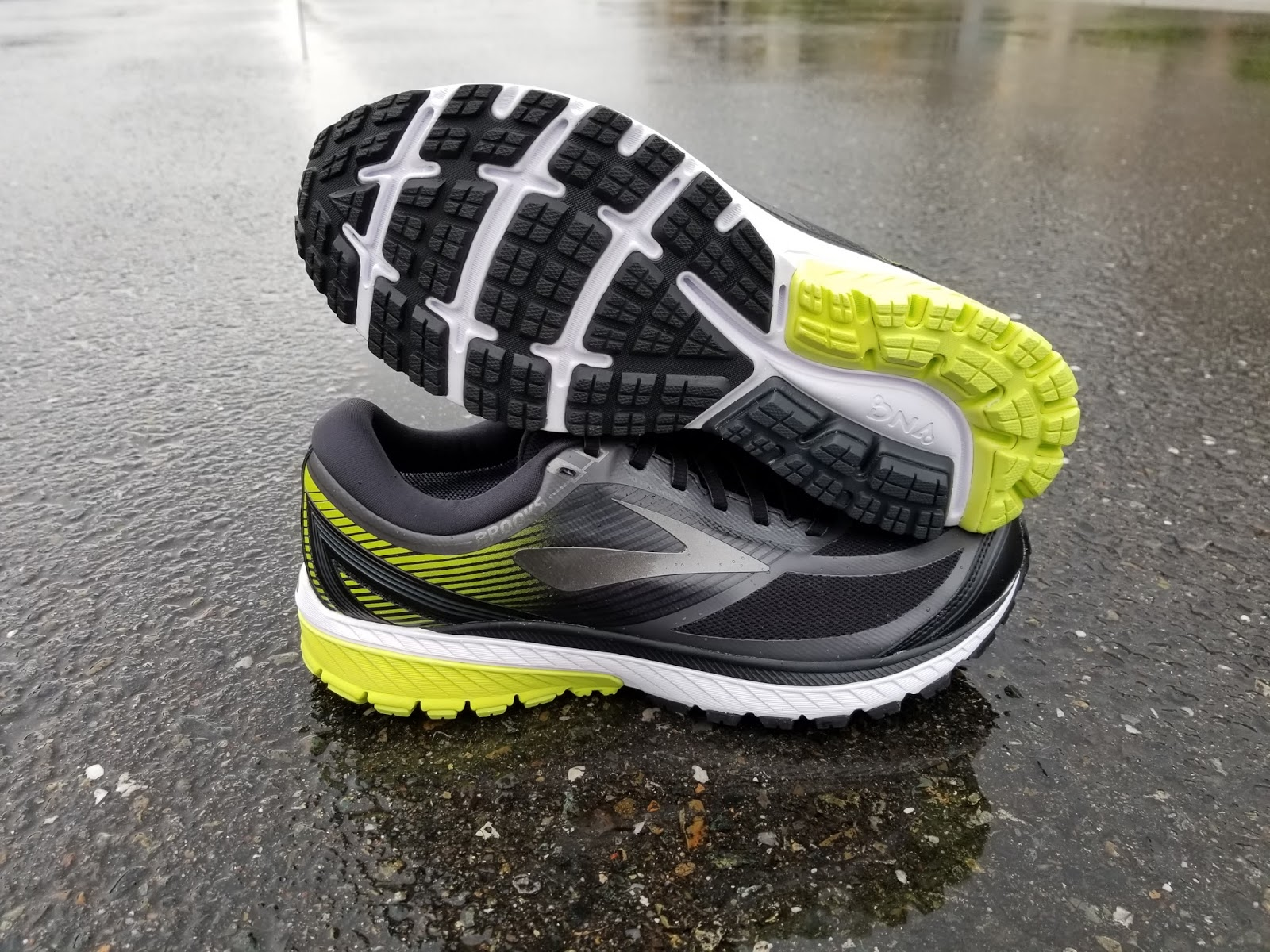 345ee0e50eb Running Without Injuries  Brooks Ghost 10 GTX Review