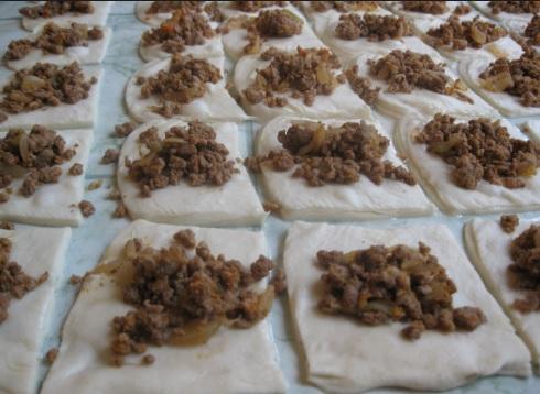 Mantija, Kosove pie filled with yogurt and garlic
