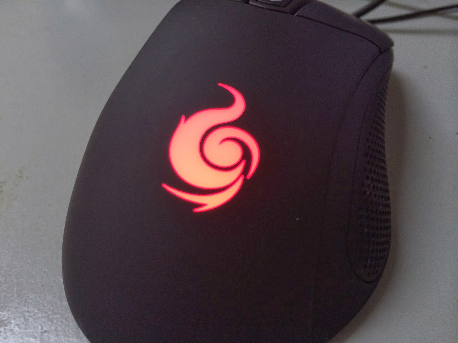 A Sneak Preview On The CM Storm Mizar Laser Gaming Mice 5