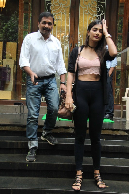 Pooja Hegde Spotted at Bandra With Family