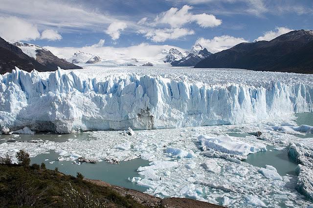 ธารน้ำแข็งขนาดใหญ่