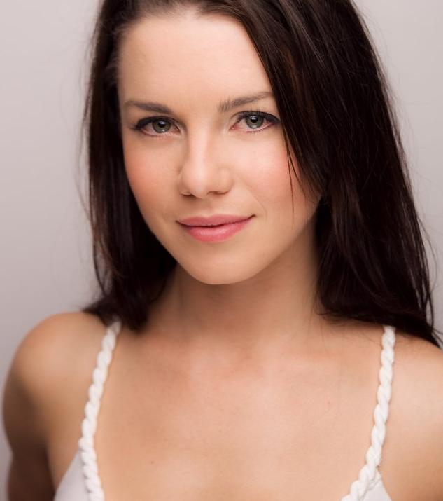 OMG Ladies: Jessica Grace Smith From Spartacus Gods Of The