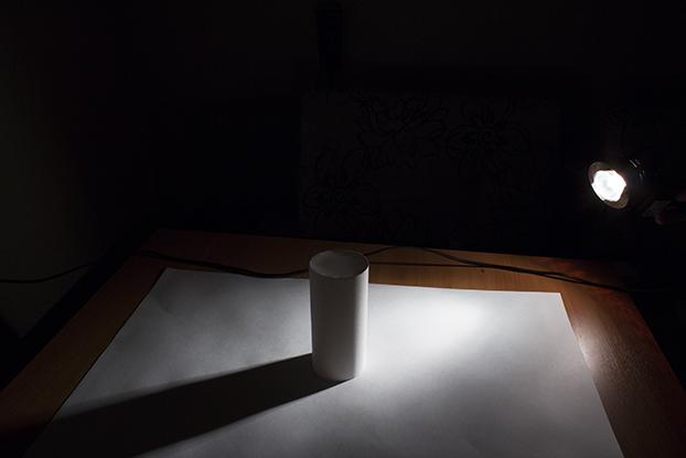 35-пример-освещение-на-белом-цилиндре